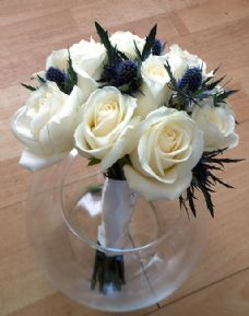 Bridesmaids roses and Thistle